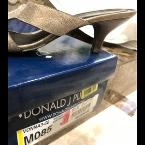 Womens Donald J Pliner/8.5 Size/leather/dress shoe